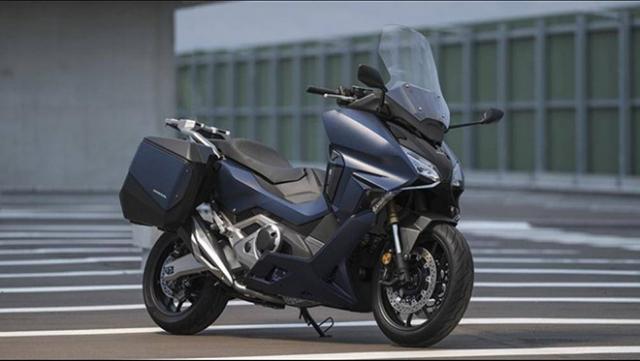 Honda Forza 750 lien tuc gianh duoc giai thuong thiet ke Red Dot Design Award - 3