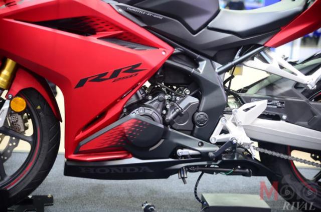 Kawasaki Ninja ZX25R va Honda CBR250RR SP tren ban can thong so - 5