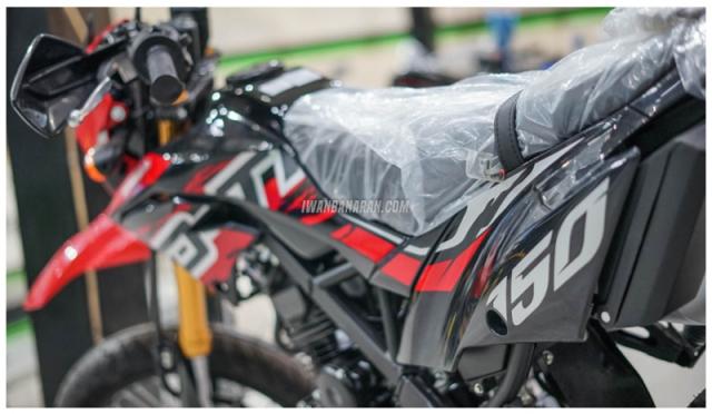 Kawasaki DTracker 150SE ra mat voi gia 59 trieu duoc ngan nguoi mo uoc - 15
