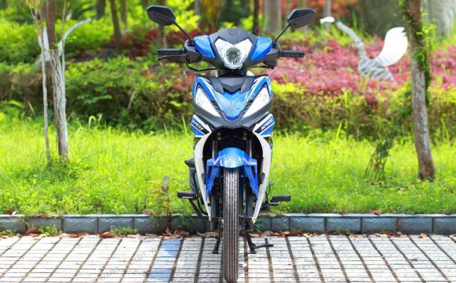 Kinh hoang xuat hien Winner V1 phien ban xe so pho thong - 3
