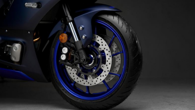 Yamaha R7 va Yamaha R6 tren ban can thong so - 6