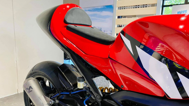 Yamaha Tracer 900 GT do cuc chat thanh SuperpSport R9M - 5