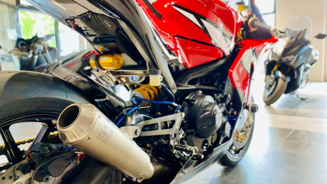 Yamaha Tracer 900 GT do cuc chat thanh SuperpSport R9M - 9