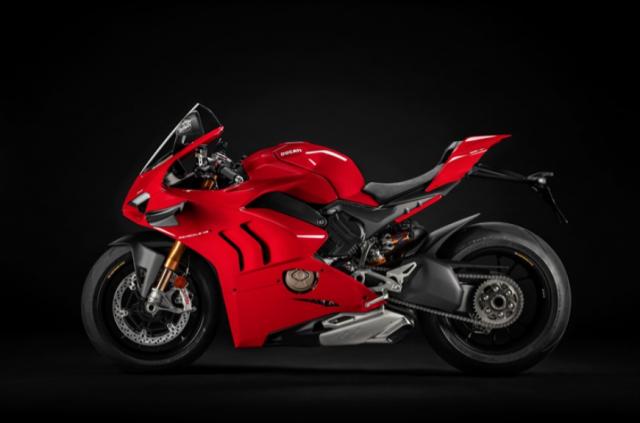 Ducati Panigale V4 S va Aprilia RSV4 Factory 2021 tren ban can thong so - 5