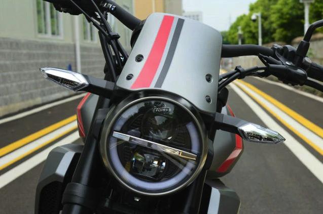 Honda CB190TR trinh lang voi ngoai hinh hap dan