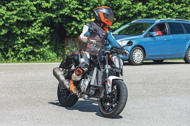 Lo dien KTM 990 Duke co the lam rung chuyen gioi nakedbike - 5