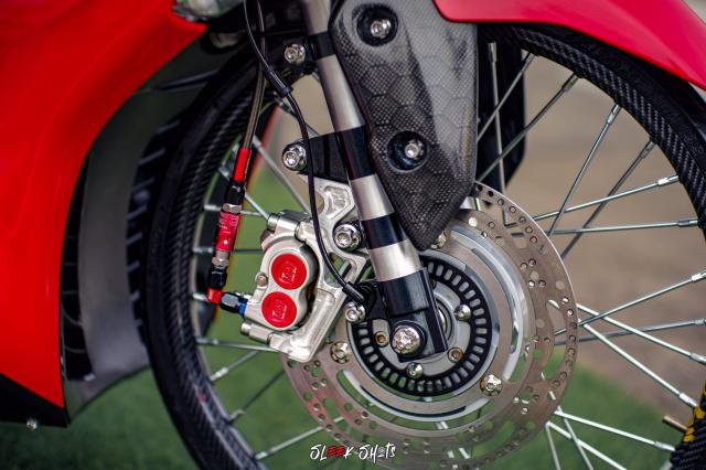 NVX 155 2021 lot xac KHUNG qua ban tay cua biker Thailand - 8