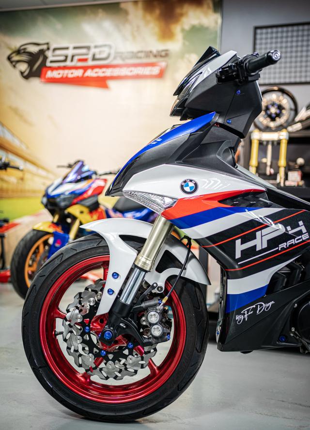 Phien ban Ex 150 do duoc lai tao giua Yamaha R1 va BMW S1000RR - 5
