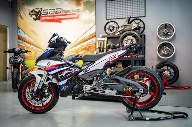 Phien ban Ex 150 do duoc lai tao giua Yamaha R1 va BMW S1000RR - 3