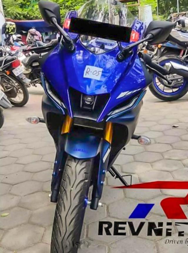 Yamaha R15 V4 R15M bat ngo xuat hien tai Dai Ly - 7